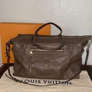 Authentic Louis Vuitton lumineuse ombre gm travel